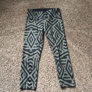 lululemon cropped leggings!!